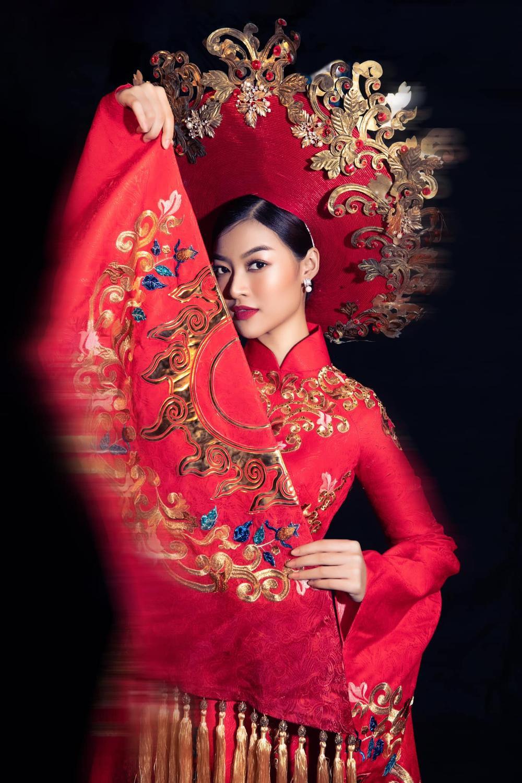 5 nàng hậu hoạt động nổi bật nhất năm 2020: Kiều Loan phủ sóng hình ảnh, Minh Tú ngày càng đông fan Ảnh 19