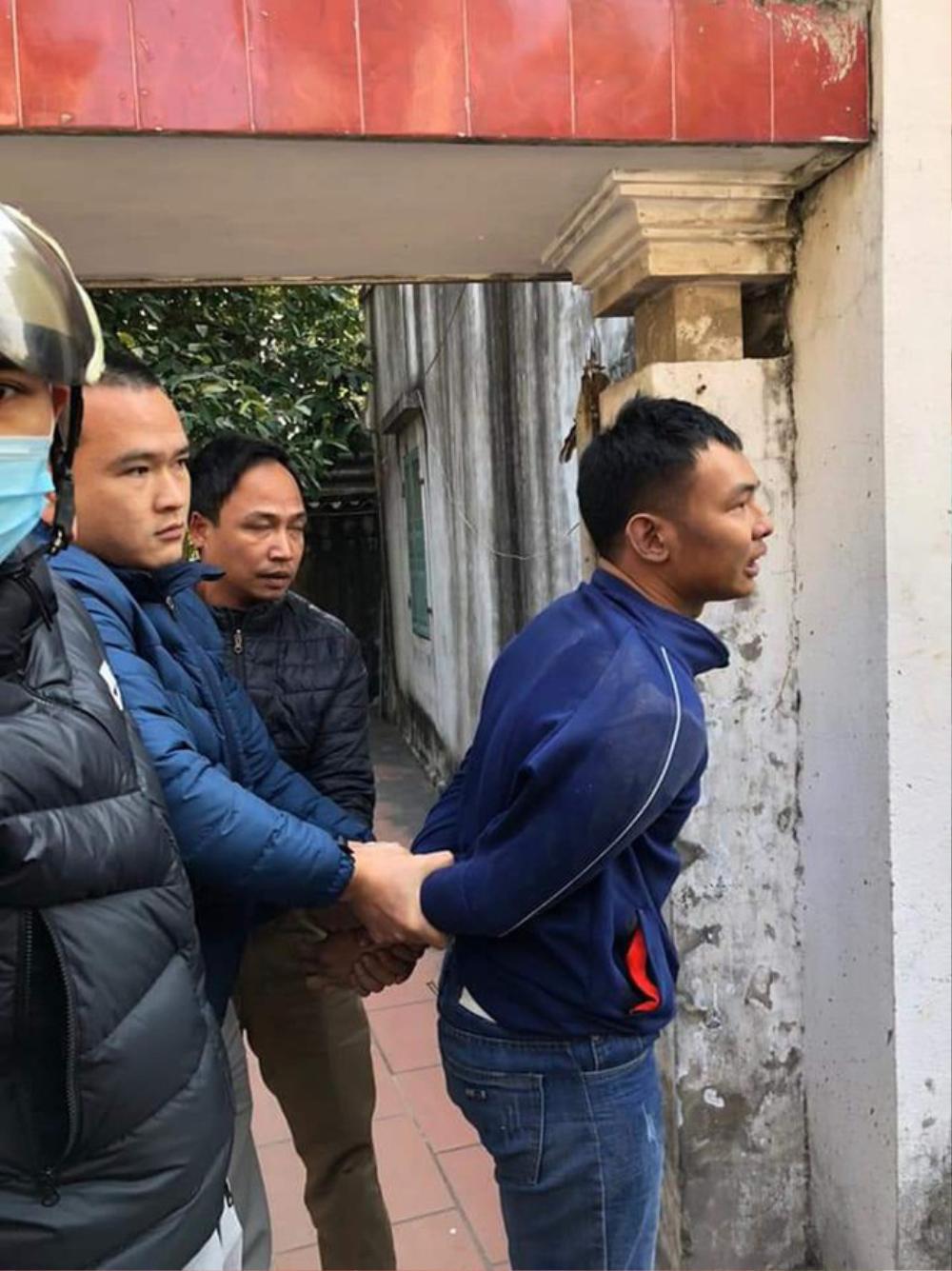 Bắt giữ nam thanh niên cầm dao khống chế nhân viên tiệm vàng cướp 100 triệu đồng Ảnh 2