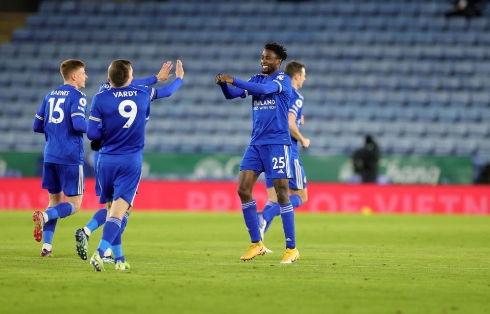 Man Utd mất ngôi đầu bảng vào tay Leicester Ảnh 1