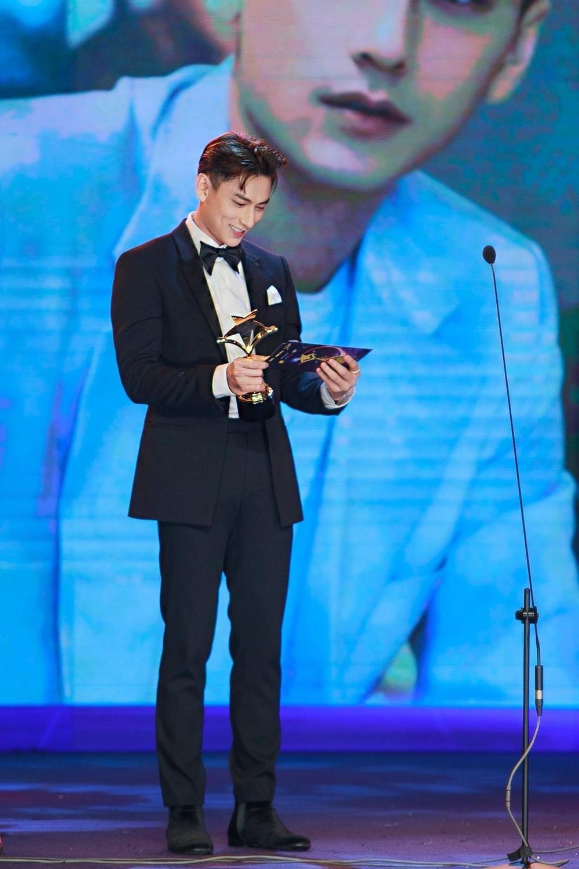 Tâm sự của NSND Hồng Vân, Isaac lần đầu đoạt giải 'Ngôi Sao Xanh 2020' Ảnh 2