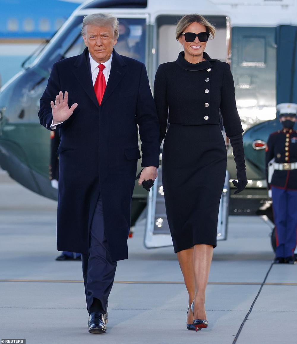 Tân Đệ nhất phu nhân Mỹ Jill Biden và Melania Trump 'so kè' trang phục cực gắt tại lễ nhậm chức Ảnh 7