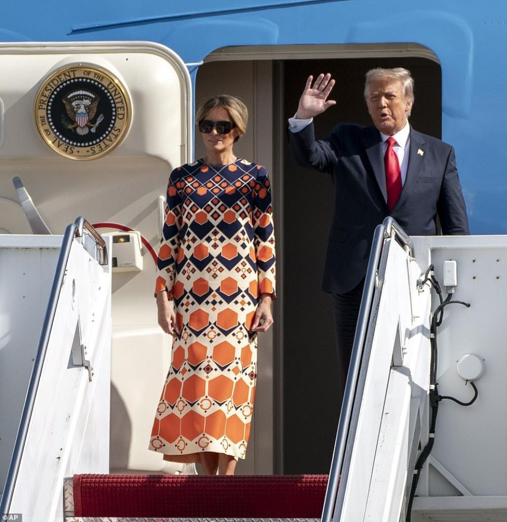 Tân Đệ nhất phu nhân Mỹ Jill Biden và Melania Trump 'so kè' trang phục cực gắt tại lễ nhậm chức Ảnh 11
