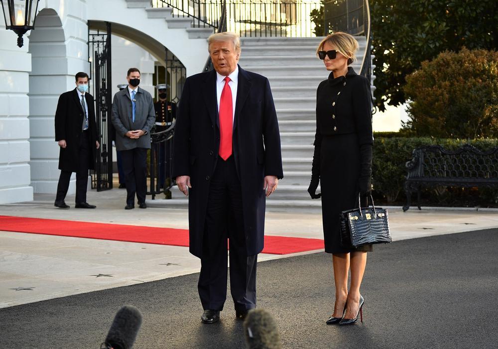 Tân Đệ nhất phu nhân Mỹ Jill Biden và Melania Trump 'so kè' trang phục cực gắt tại lễ nhậm chức Ảnh 6