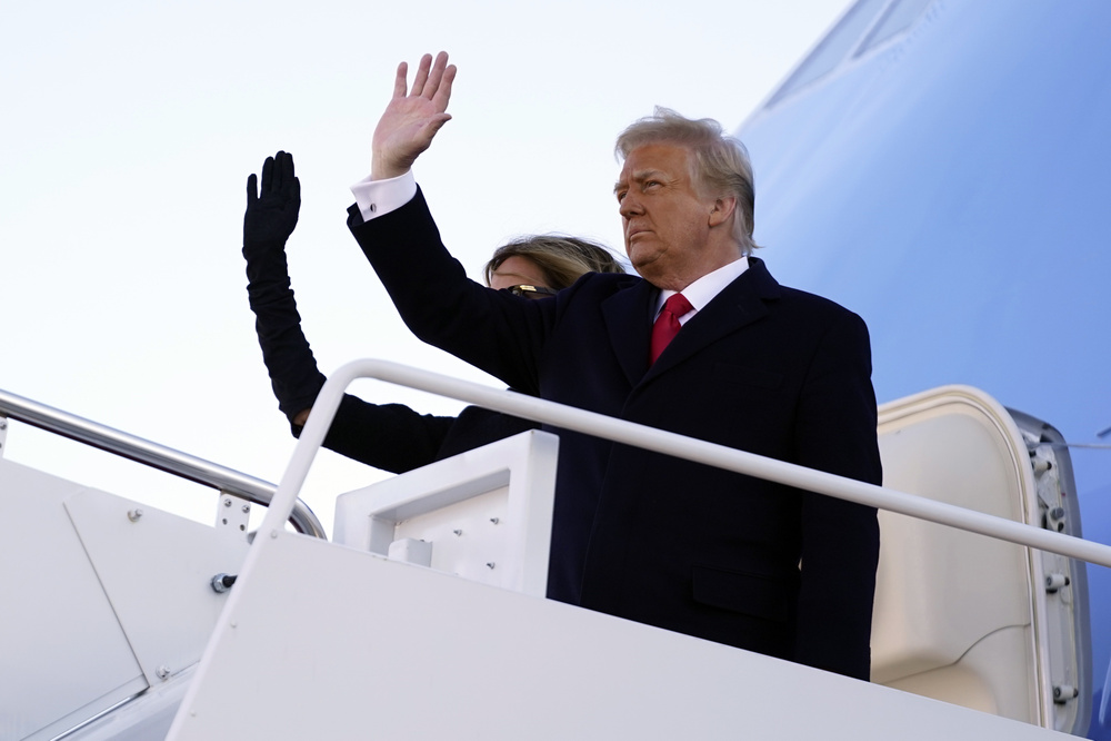 Thêm một nền tảng cấm vĩnh viễn tài khoản của cựu Tổng thống Donald Trump Ảnh 2