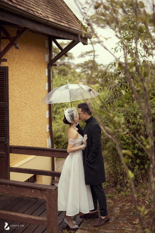 Á Hậu Thúy An hé lộ ảnh cưới lung linh tại Đà Lạt: Cô dâu nhan sắc rạng ngời, chú rể điển trai phong độ Ảnh 17