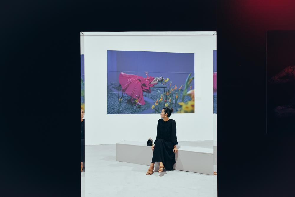 Tăng Thanh Hà tinh tế thanh tao với 'little black dress' tại triển lãm sách ảnh nghệ thuật Ảnh 5