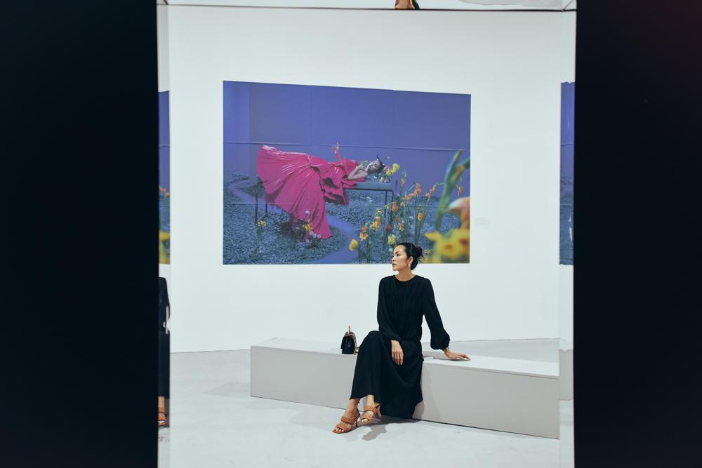 Tăng Thanh Hà tinh tế thanh tao với 'little black dress' tại triển lãm sách ảnh nghệ thuật Ảnh 6