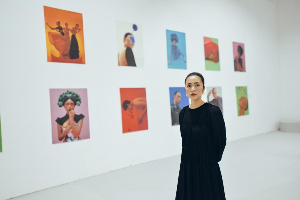 Tăng Thanh Hà tinh tế thanh tao với 'little black dress' tại triển lãm sách ảnh nghệ thuật Ảnh 1