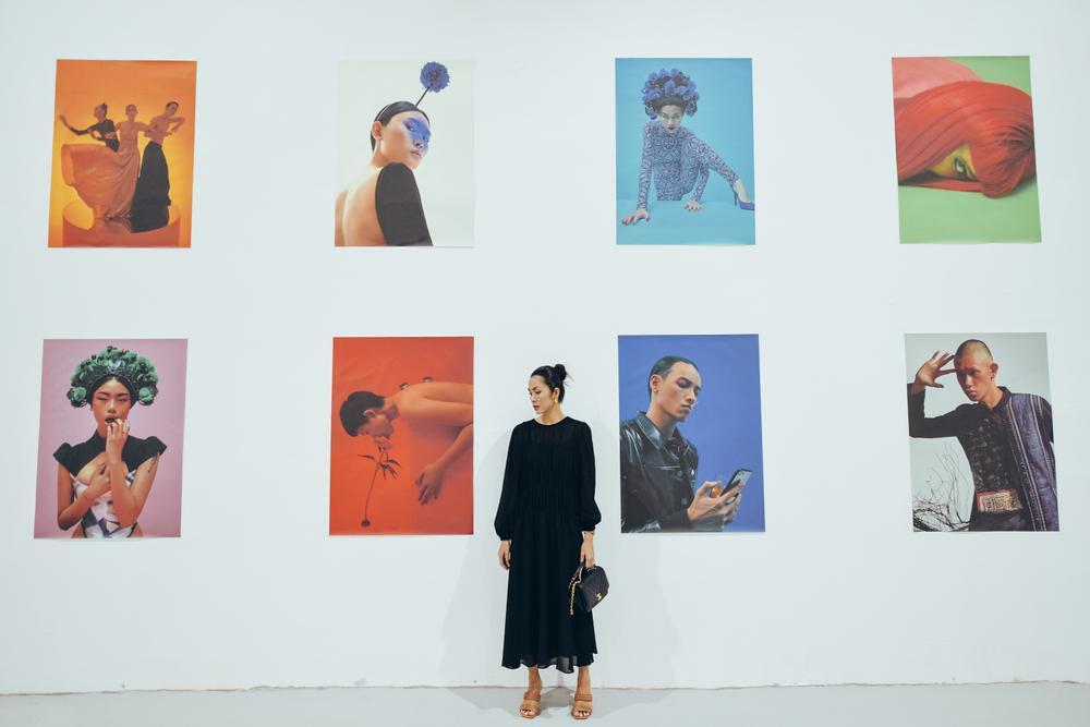 Tăng Thanh Hà tinh tế thanh tao với 'little black dress' tại triển lãm sách ảnh nghệ thuật Ảnh 3