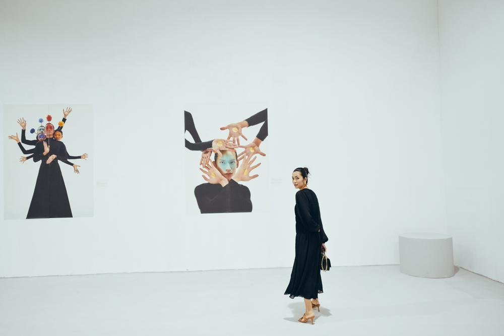 Tăng Thanh Hà tinh tế thanh tao với 'little black dress' tại triển lãm sách ảnh nghệ thuật Ảnh 4