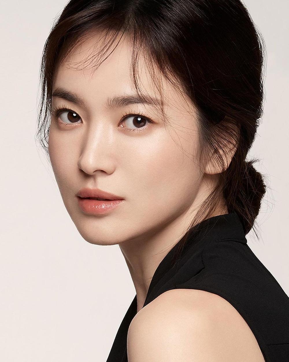 'Vợ chồng' Song Hye Kyo - Song Joong Ki khoe sắc trên MXH: Đẹp đến choáng ngợp! Ảnh 5