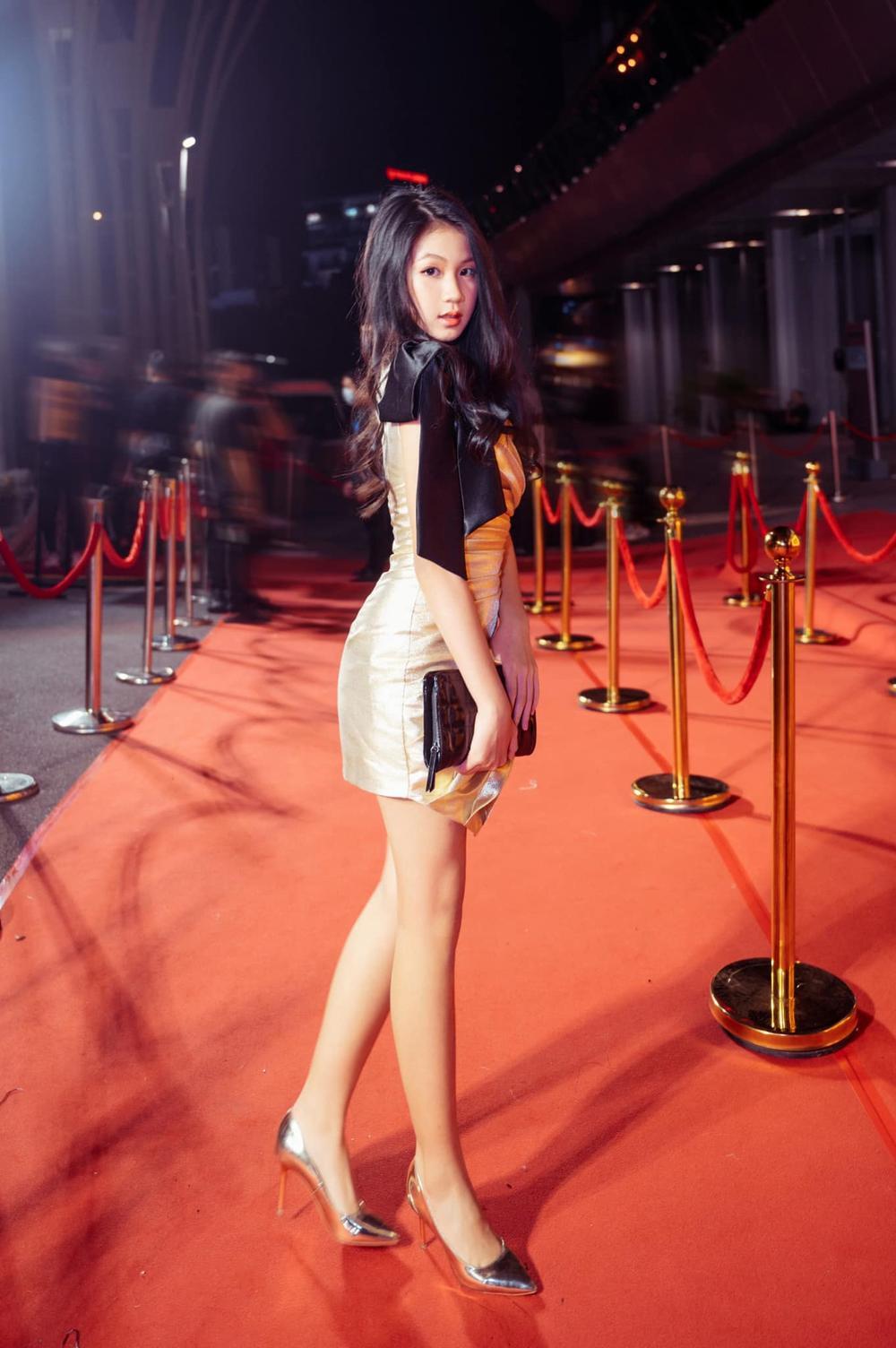 Con gái 16 tuổi của Lưu Thiên Hương khoe nhan sắc xinh như Hoa hậu khiến ai cũng say đắm Ảnh 3