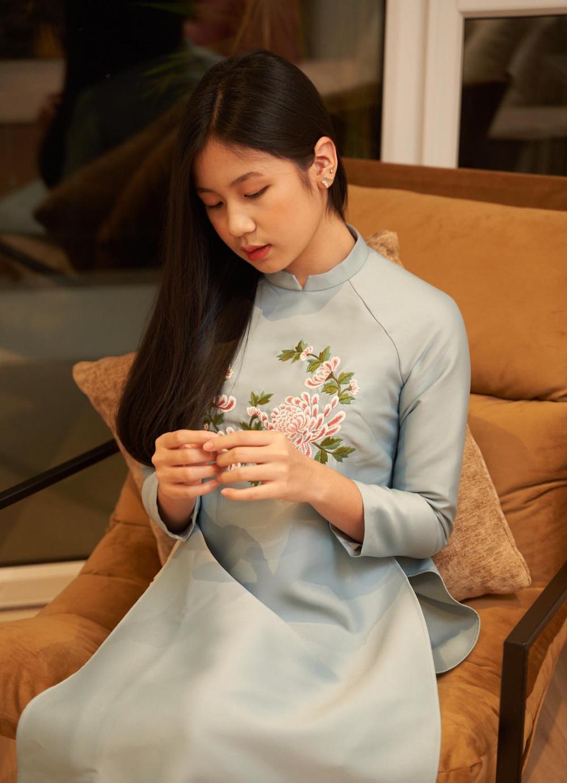 Con gái 16 tuổi của Lưu Thiên Hương khoe nhan sắc xinh như Hoa hậu khiến ai cũng say đắm Ảnh 8