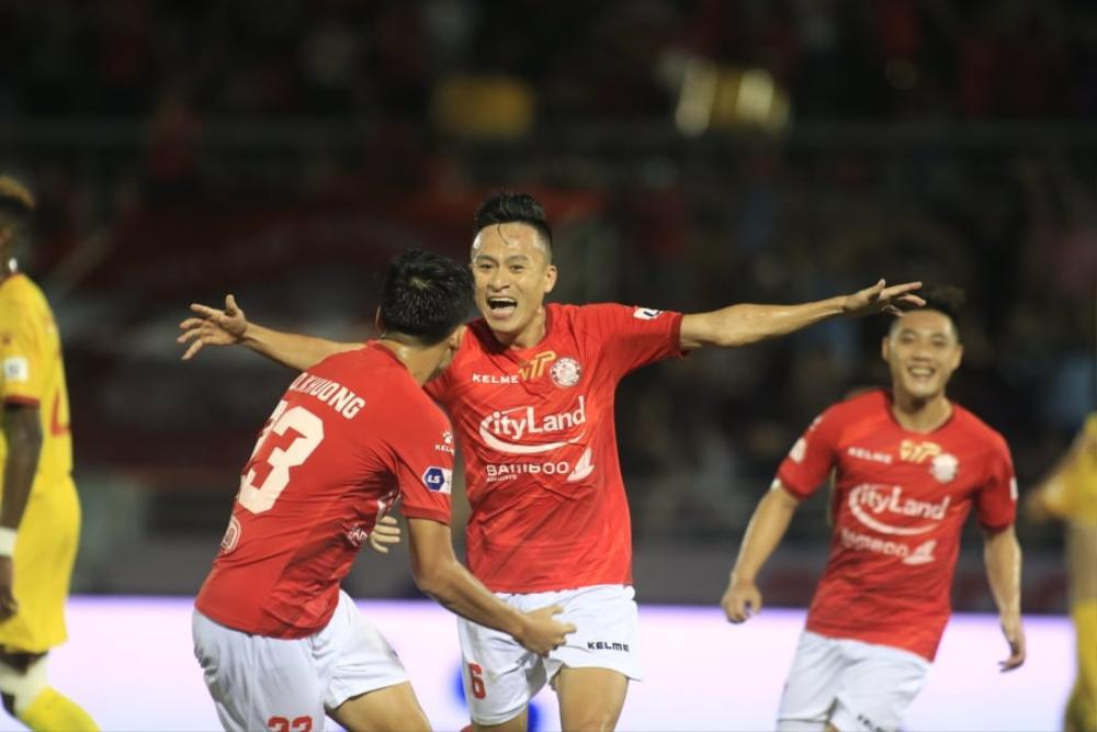 Lee Nguyễn ra mắt, TPHCm thắng đậm Hà Tĩnh! Ảnh 1