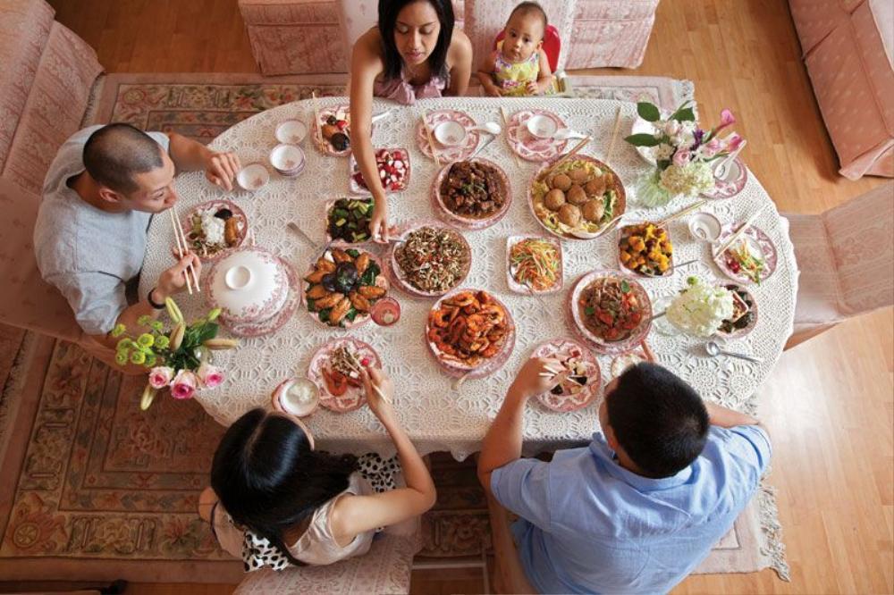 Đến ra mắt gia đình bạn trai, cô gái nhất quyết đòi chia tay sau khi thấy bàn ăn đãi khách Ảnh 1