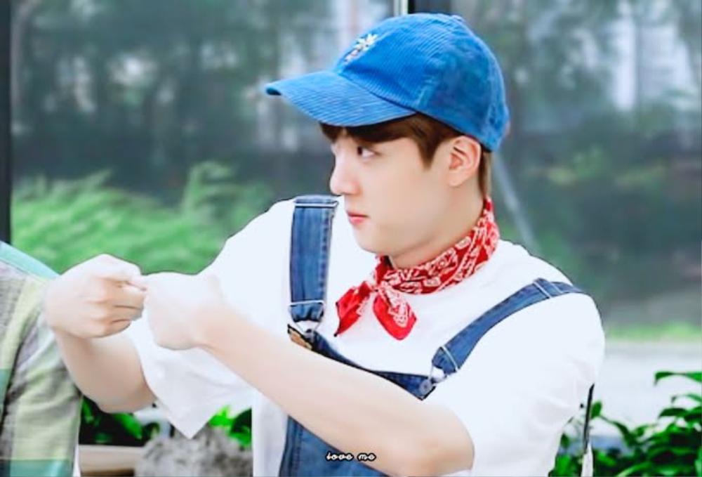 Bị Jin (BTS) ra hiệu 'nghỉ chơi', Jimin cứu vãn bằng hành động cực lãng mạn Ảnh 2