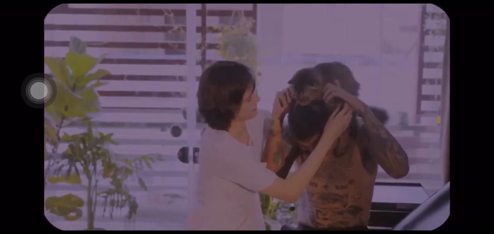 Ngượng 'chín mặt' xem clip ngập tràn 'cảnh 18+' giữa Hải Tú và bạn trai cũ Ảnh 1