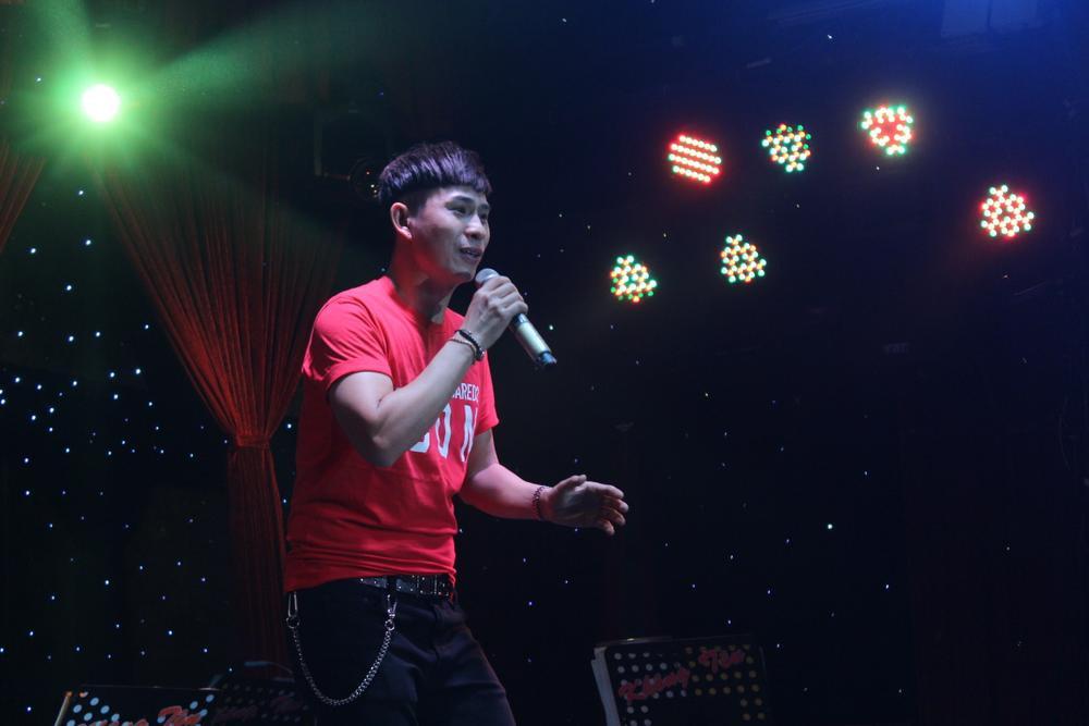 Đồng nghiệp nghẹn ngào tưởng nhớ Vân Quang Long, gây quỹ hơn 220 triệu đồng ủng hộ cho các con của cố ca Ảnh 8