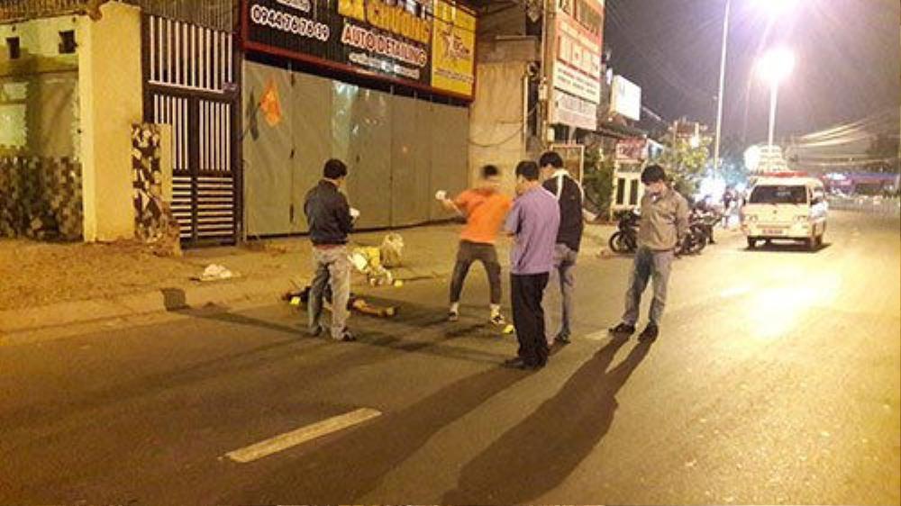 Bình Thuận: Thi thể nam thanh niên với vết thương nặng vùng cổ bị bỏ ở lề đường Ảnh 1