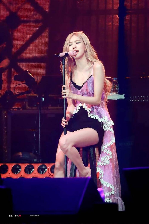 Rosé (BlackPink) tung teaser debut solo: Đốt cháy đóa hoa hồng Ảnh 2