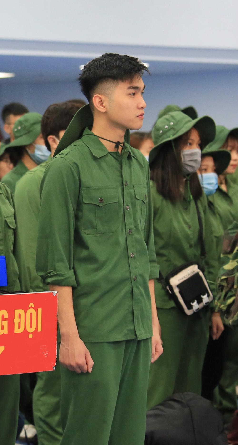 Chiêm ngưỡng dàn 'Trai xinh gái đẹp'- 'Đặc sản' mùa quân sự của Học viện Chính sách và Phát triển Ảnh 1