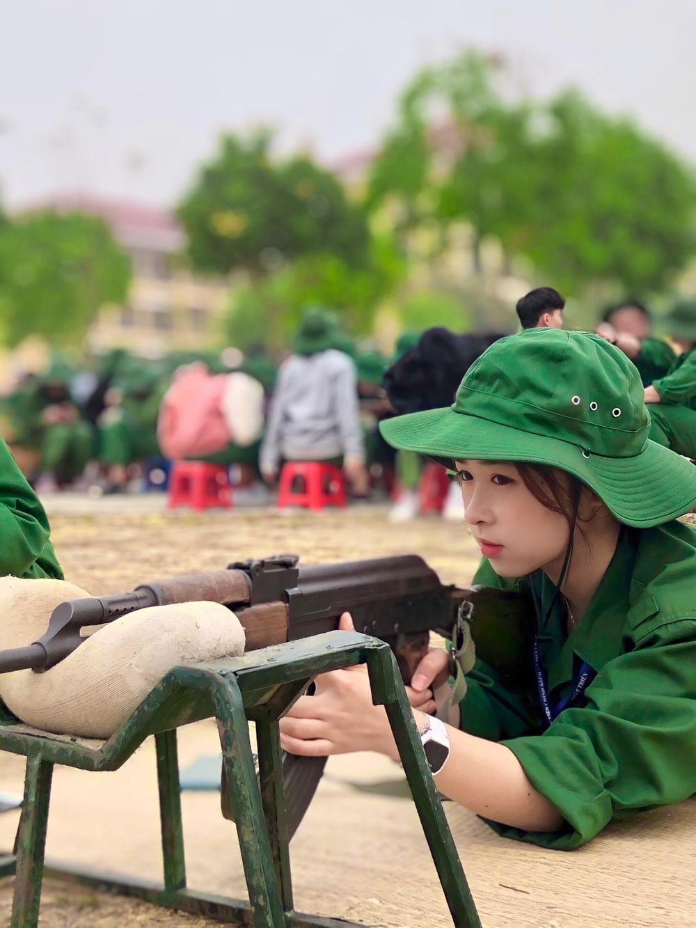 Chiêm ngưỡng dàn 'Trai xinh gái đẹp'- 'Đặc sản' mùa quân sự của Học viện Chính sách và Phát triển Ảnh 10