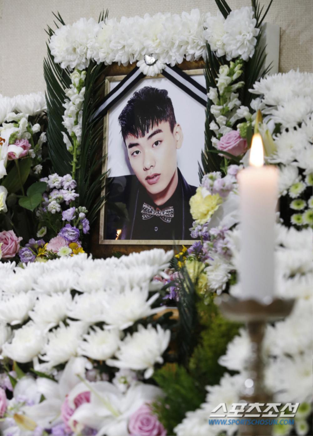 Rapper Iron (thành viên hụt BTS) bị giết? - Tang lễ vắng tanh: Bạn gái cũ ăn mừng trên MXH! Ảnh 3