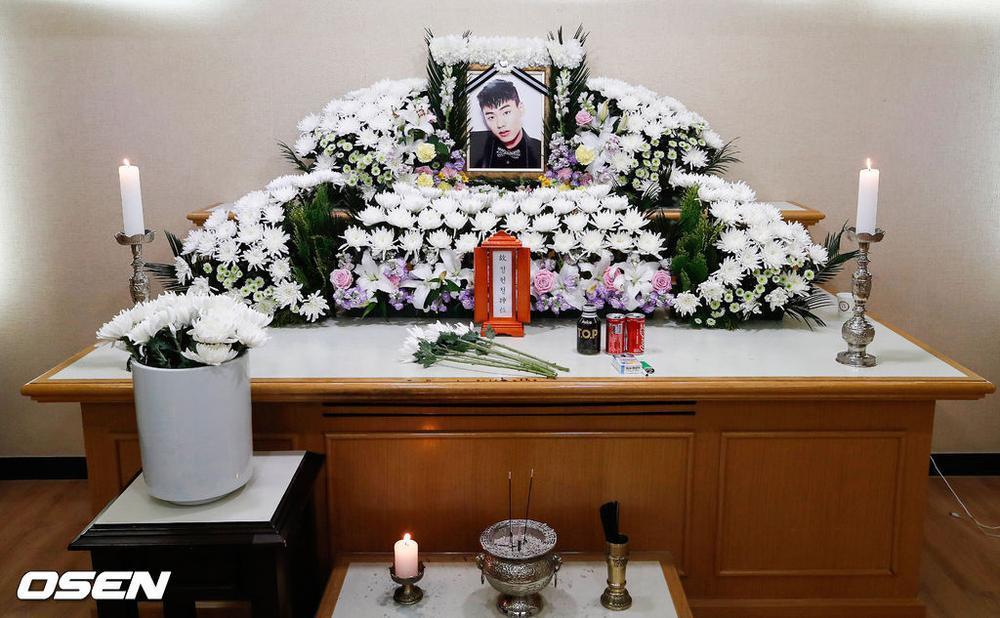 Rapper Iron (thành viên hụt BTS) bị giết? - Tang lễ vắng tanh: Bạn gái cũ ăn mừng trên MXH! Ảnh 2