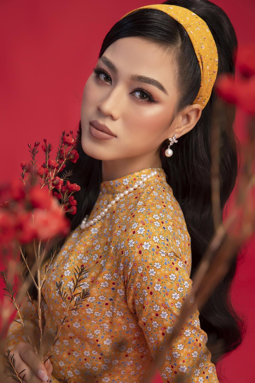 Top 3 Hoa hậu Việt Nam 2020 Đỗ Hà - Phương Anh - Ngọc Thảo chào xuân 'ngọt lịm' với áo dài cổ điển Ảnh 3