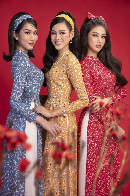 Top 3 Hoa hậu Việt Nam 2020 Đỗ Hà - Phương Anh - Ngọc Thảo chào xuân 'ngọt lịm' với áo dài cổ điển Ảnh 1