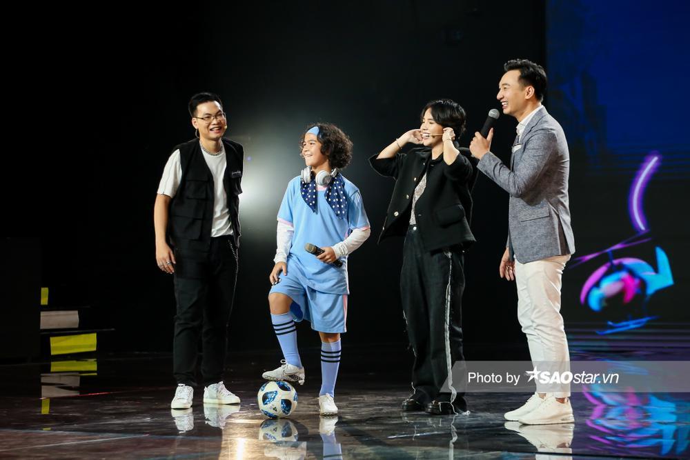 Kelvin Huỳnh đội Vũ Cát Tường: Quyết tâm hát tiếng Việt thật hay, đam mê cả DJ, đánh trống lẫn vũ đạo Ảnh 11
