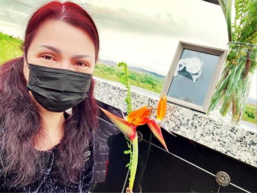 Don Hồ kể về ca sĩ Phương Loan: Đi làm nhớ anh Chí Tài, khóc đeo khẩu trang để không ai nhìn thấy Ảnh 4