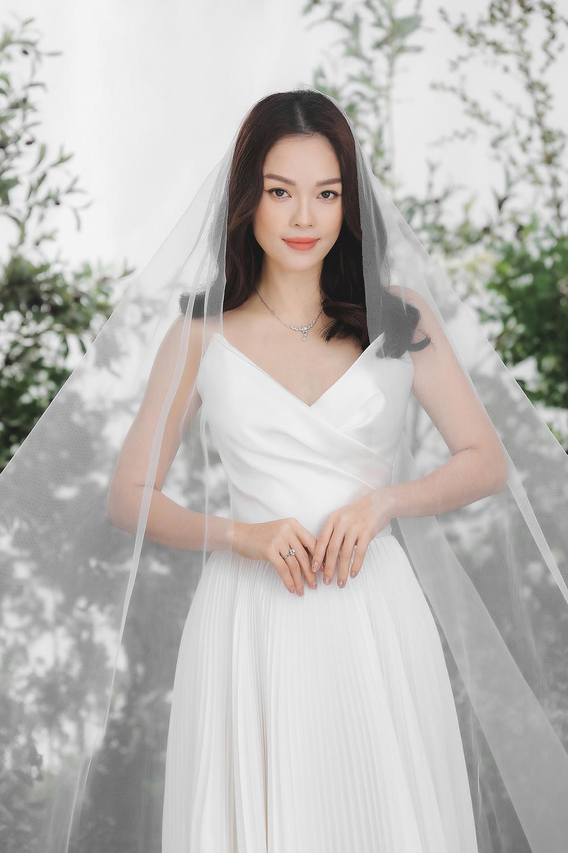 Dương Cẩm Lynh bất ngờ tung ảnh cưới, phải chăng sắp lên xe hoa lần 2? Ảnh 2