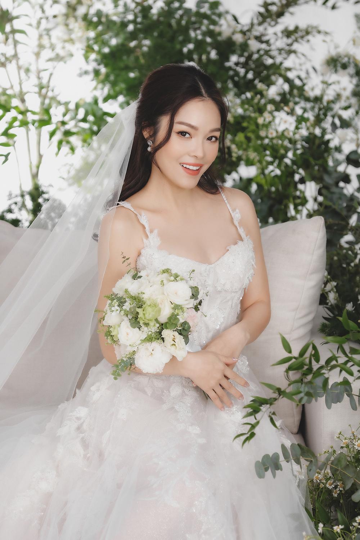 Dương Cẩm Lynh bất ngờ tung ảnh cưới, phải chăng sắp lên xe hoa lần 2? Ảnh 4