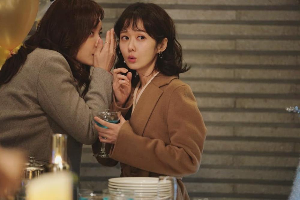 Jang Nara gây sốt với nhan sắc 41 tuổi, miệt mài quay 'Cô chủ ma quái' thâu đêm Ảnh 3