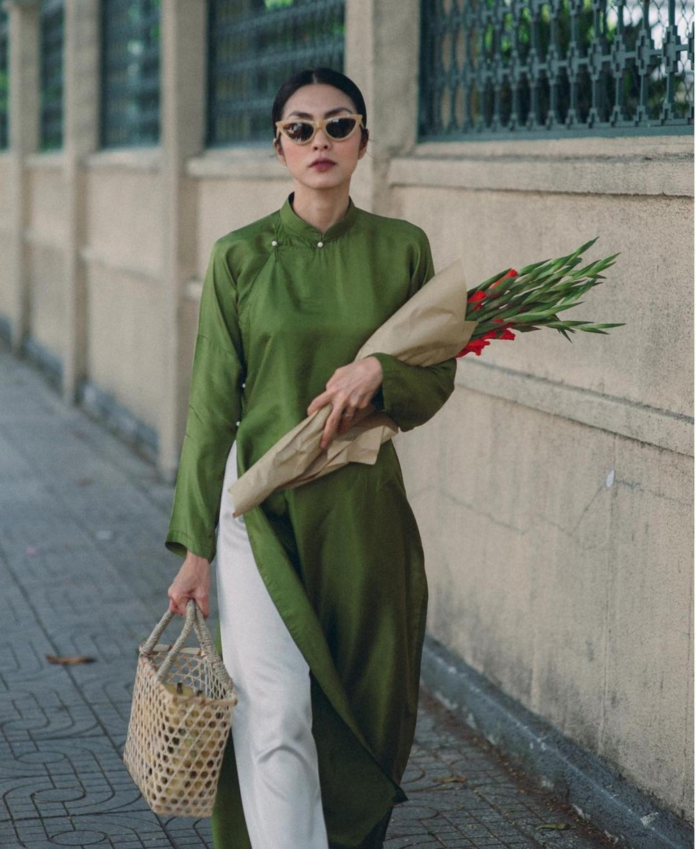 Nao lòng trước vẻ đẹp của Tăng Thanh Hà khi mặc áo dài Sài Gòn xưa Ảnh 1