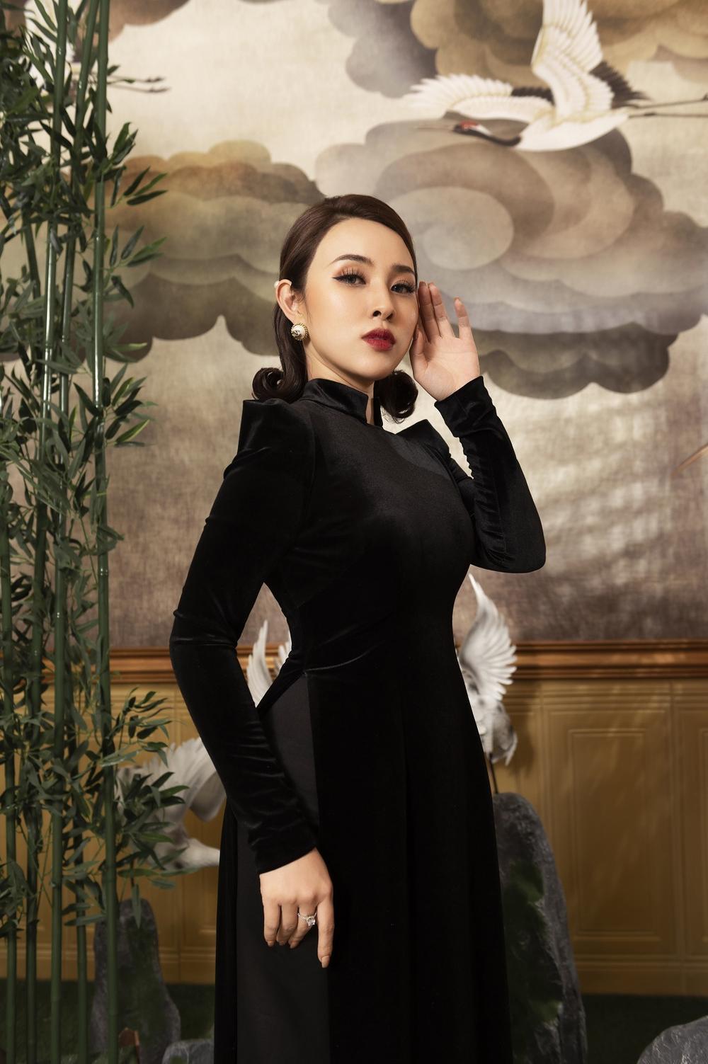Bảo Trâm kiêu sa quý phái với áo dài Tết chất liệu nhung tinh tế Ảnh 5