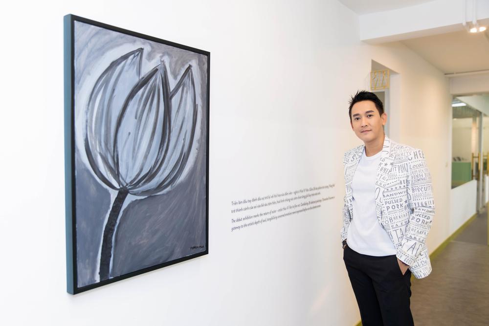 Hứa Vĩ Văn rơi nước mắt tại triển lãm hội họa đầu tiên của mình Ảnh 10