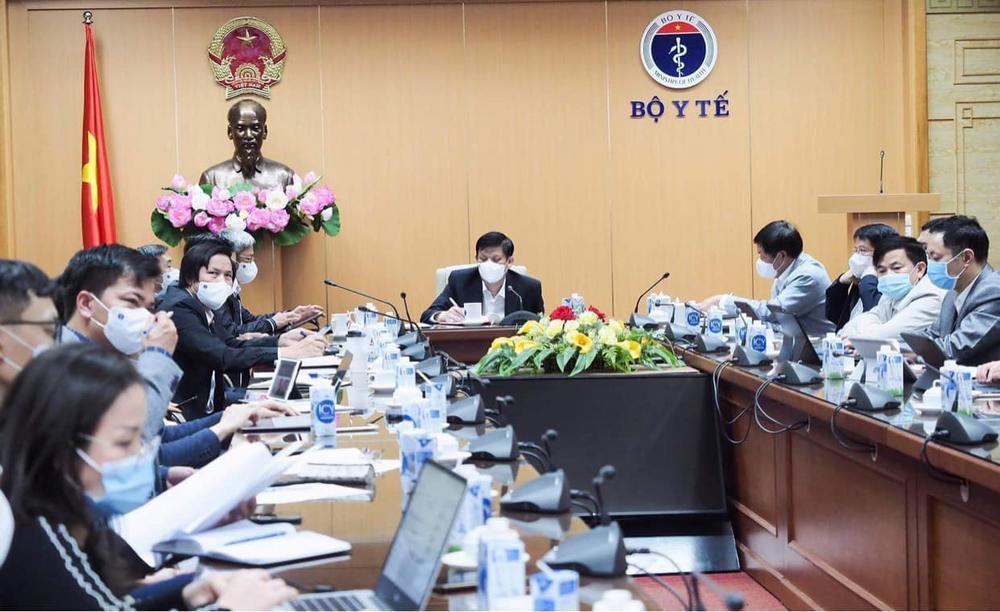 Bộ trưởng Bộ Y tế chỉ đạo thiết lập 3 bệnh viện dã chiến tại Hải Dương phòng chống dịch COVID-19 Ảnh 1
