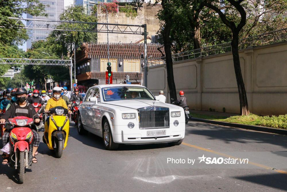 Cận cảnh dàn xe trăm tỷ xuất hiện trong đám cưới Phan Thành - Primmy Trương Ảnh 11