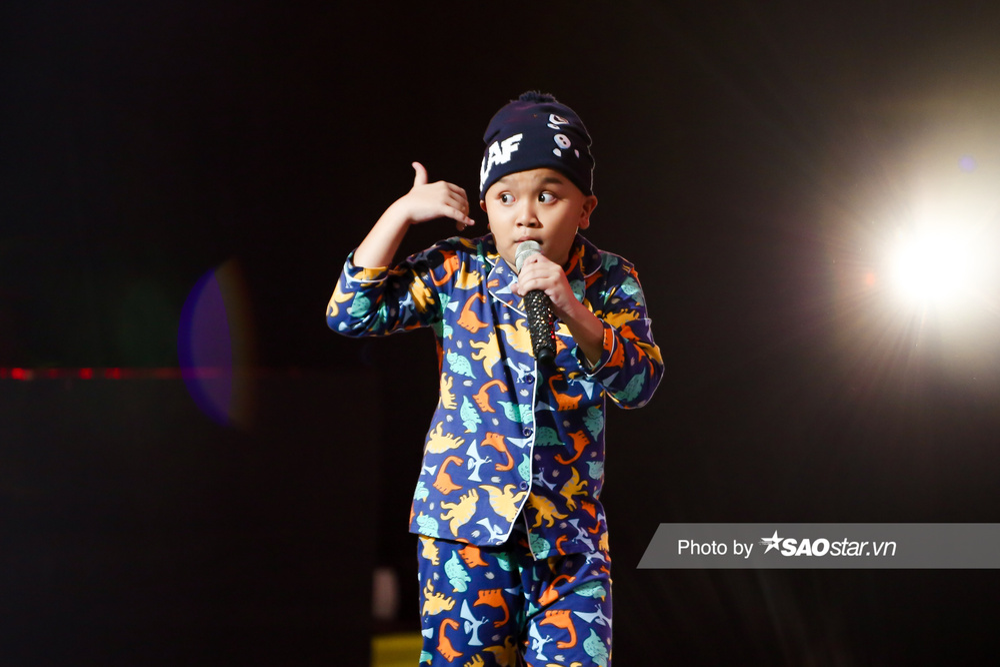 Hot boy nhí Phước Khang 'trùm chăn' đội BigFamily khiến Hồ Hoài Anh - Lưu Hương Giang tiếc nuối Ảnh 2