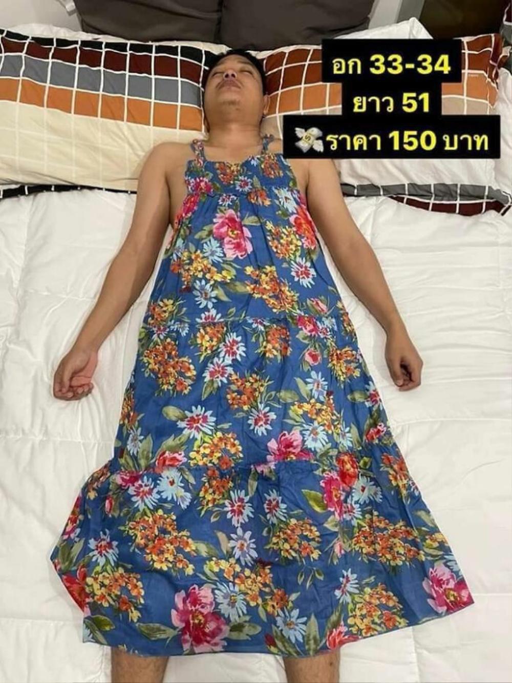 Anh chồng bị vợ 'bắt' làm người mẫu bất đắc dĩ, mặc cả váy lẫn croptop để quảng cáo online Ảnh 1