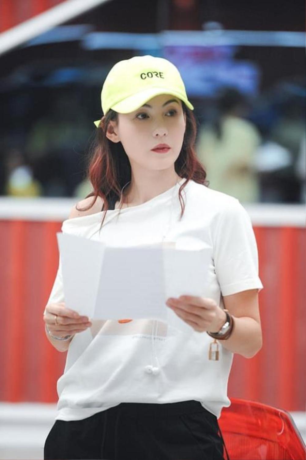 Nhan sắc và phong cách trẻ trung của Trương Bá Chi khiến dân tình 'phát hờn' Ảnh 5