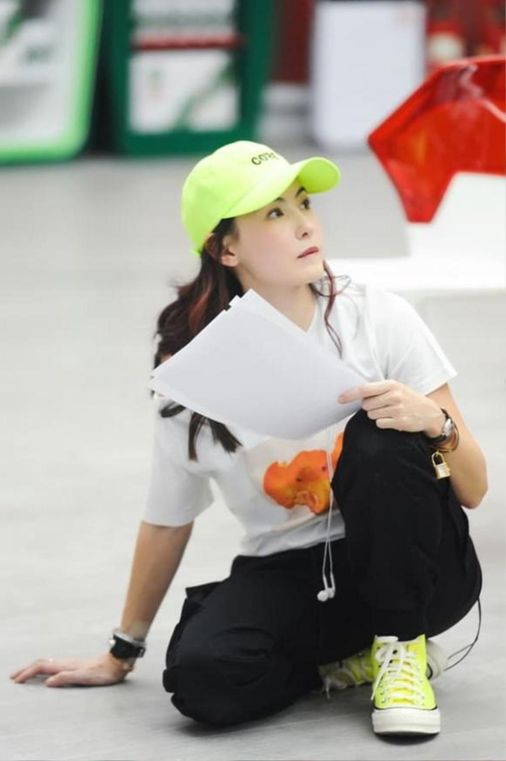 Nhan sắc và phong cách trẻ trung của Trương Bá Chi khiến dân tình 'phát hờn' Ảnh 3