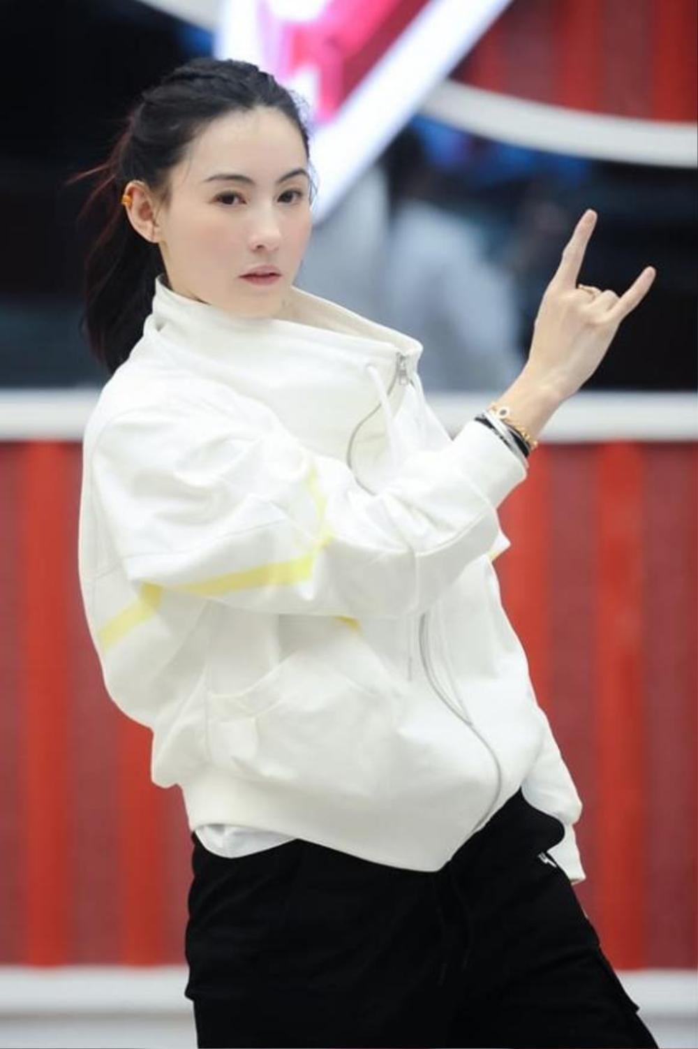 Nhan sắc và phong cách trẻ trung của Trương Bá Chi khiến dân tình 'phát hờn' Ảnh 1