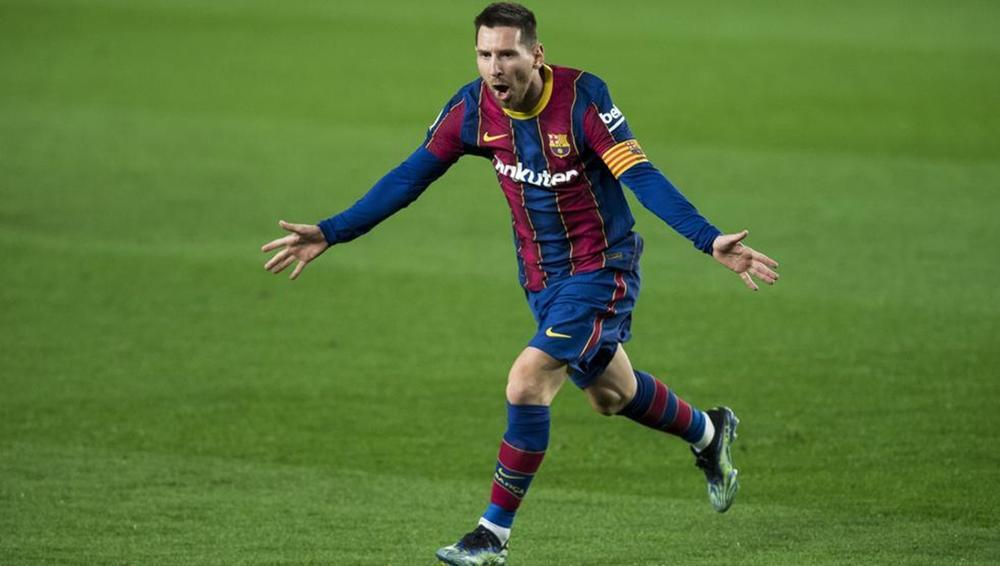 Messi lập siêu phẩm sút phạt ngay sau khi lộ hợp đồng nửa tỷ euro với Barca Ảnh 1