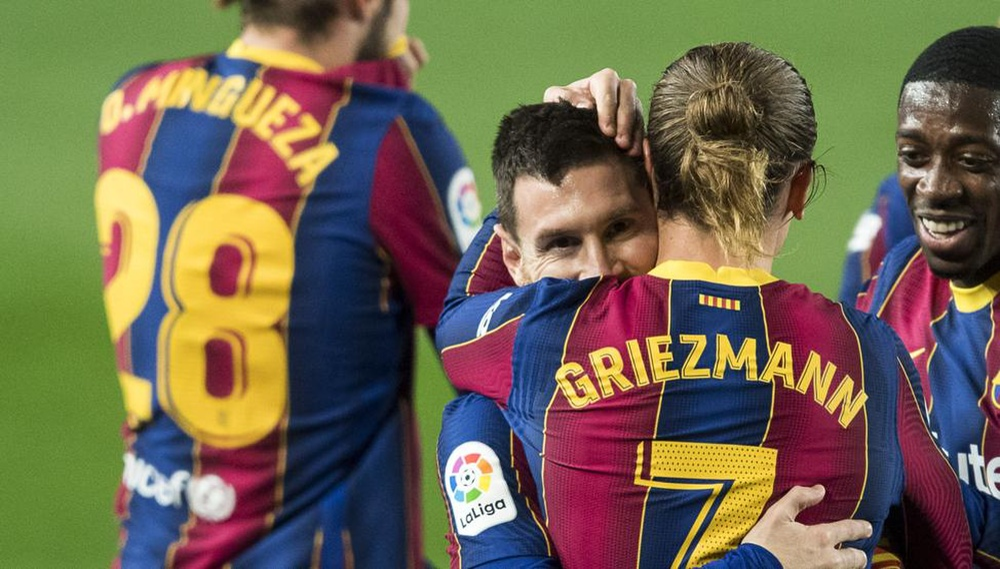 Messi lập siêu phẩm sút phạt ngay sau khi lộ hợp đồng nửa tỷ euro với Barca Ảnh 2