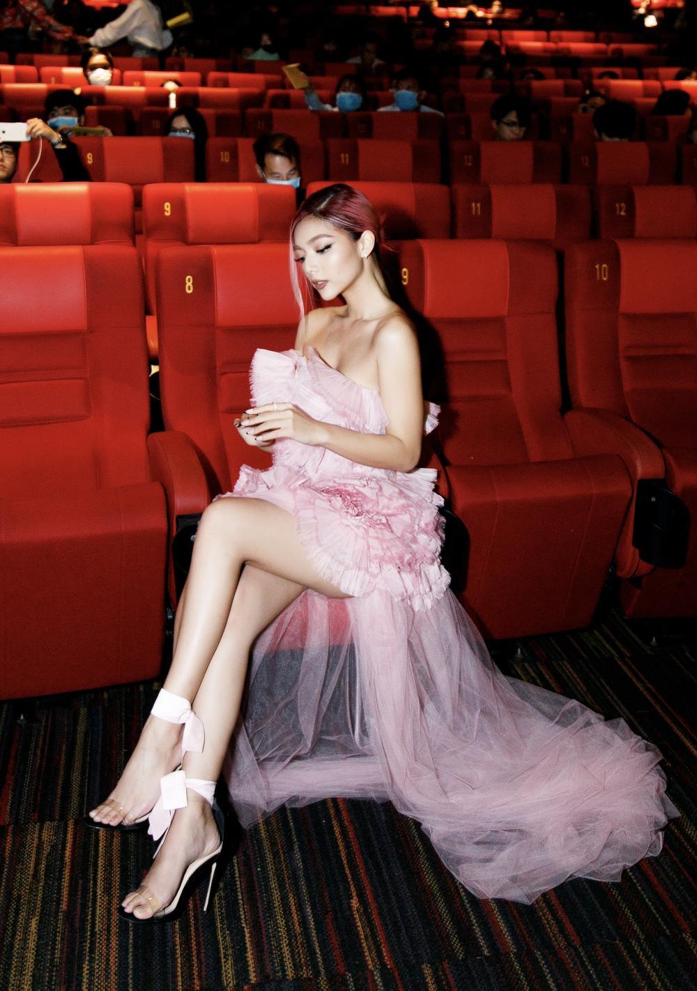 Không chỉ nhan sắc cực phẩm, Katleen Phan Võ còn sở hữu gu ăn diện thảm đỏ 'bén lẹm' Ảnh 8