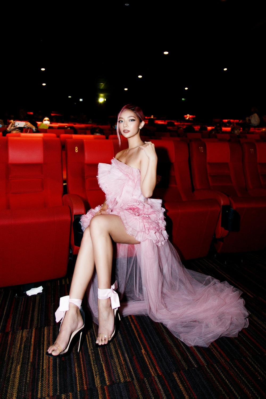 Không chỉ nhan sắc cực phẩm, Katleen Phan Võ còn sở hữu gu ăn diện thảm đỏ 'bén lẹm' Ảnh 7