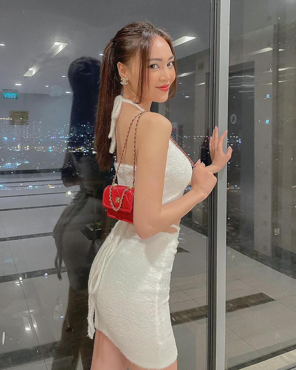 Ninh Dương Lan Ngọc khoe dáng cực chuẩn trong bộ váy trắng cut-out táo bạo Ảnh 2